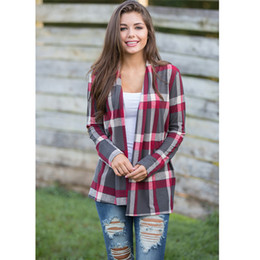 flanellhemden frauen großhandel-1PC Klassische Plaid Shirt Warm Frauen Flanell Plaid T Shirts beiläufige lose Strickjacke Bluse Mantel Tops Fashion Damen