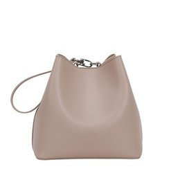 $enCountryForm.capitalKeyWord NZ - Woman Package 2019 New Design Pattern Fashion Korean Style Pull Package Genuine Leather Single Shoulder Messenger Bucket Crossbody Beach Bag