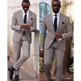 Yeni Groomsmen Tepe Yaka Iki Düğme (Ceket + Pantolon + Kravat) Damat Smokin Groomsmen İyi Adam Suit Erkek Düğün Damat 555 indirimde
