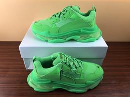 Wholesale women s dress fabrics resale online - Fashion Paris Designer Shoes FW Sneaker Triple and S Casual Dad Shoes for Men s Women Beige Black Sports dress shoes with box