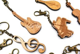 modern musical instruments UK - Niko Wooden Curved Guitar  Drum  Piano  Violin  French Horn  Pipa  Erhu Keychain Classical Modern Nation Musical Instrument Key Ring