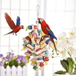 $enCountryForm.capitalKeyWord NZ - Arrival Wood Colorful Parrot Toys Chew Toy Pet Bird Toys Hanging Swing Cage Toys For Parrots Pet Bird Random Color