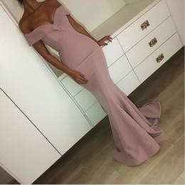 2019 abiti da sera lunghi rosa polverosi eleganti sirena sexy abiti da spettacolo arabo fuori le spalle abiti da ballo lunghi in Offerta