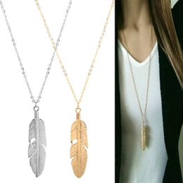 Plates For Weddings Australia - NEW Fashion Feather Pendant Necklaces Wedding Party Event Gold Silver Plated Chain Elegant Jewelry For Women Ladies free shipping