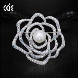 $enCountryForm.capitalKeyWord Australia - Wedding Party beaded pearl gift woman lady diamond jewelry Brooches for bride acting initiation graduation CDE-1319