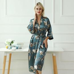 $enCountryForm.capitalKeyWord Australia - Elegant Women Bridesmaid Wedding Robe Novelty Print Floewr Bathrobe Gown Summer New Three Quarter Home Dressing Gown Size S M L