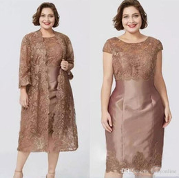 full length robe zipper NZ - Brown Short Sleeves Full Lace Sheath Mother's Dresses with Jacket Tea Length Mother of the Bride Dress robes de soirée élégantes 2019 femmes