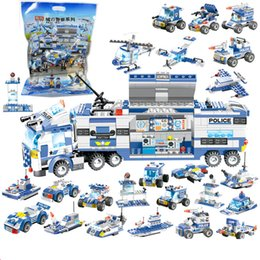 $enCountryForm.capitalKeyWord Australia - 762Pcs 8 IN 1 Robot Aircraft Car City Police Building Blocks Legoes SWAT Creator Bricks Playmobil Educational Toys For Children
