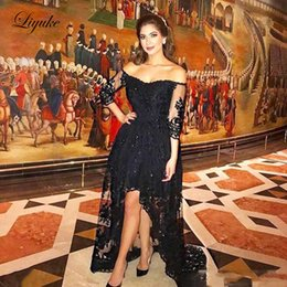 $enCountryForm.capitalKeyWord Australia - Off The Shoulder Lace Hi-Lo A Line Mother Of Bride Dresses Applique Sweep Train Wedding Party Guest Evening Prom Gown Plus Size Liyuke