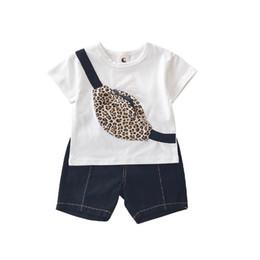 27b42b97c233a Nouveau 2019 Summer Boys Suits enfants vêtements de marque garçons  vêtements ensembles de poche léopard T shirt + Shorts vêtements pour enfants  vêtements de ...