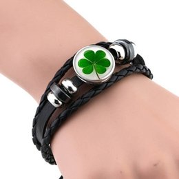 black amethyst pearl UK - Lucky grass Black Leather Bracelet Irish Pride Clover Leaf Jewelry Charm Bracelet Gift for Women Men Shamrock Bangle