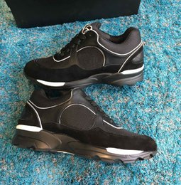 Ingrosso Nuovo stile di alta qualità di lusso designer scarpe casual Vendita calda uomini e donne in pelle scamosciata aumentare scarpe da passeggio Scarpe da ginnastica francesi
