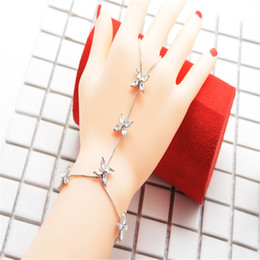 $enCountryForm.capitalKeyWord Australia - Fashion Chain Bracelet Drop Silver Crystal Flower Women Metal Hand Harness Chain Slave Finger Ring Boho Jewelry Wedding Gift
