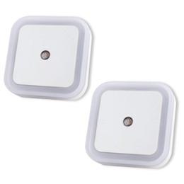 $enCountryForm.capitalKeyWord Australia - LED Night Light Lamp Dusk to Dawn Sensor 0.5W Plug-in for Bedroom, Bathroom, Hallway, Stairways, or Any Dark Room Soft (White, Square)