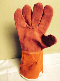 Leather Gloves For Men Australia - Welding WELDERS Work Soft Cowhide Leather Plus Gloves For protecting hand welding protective wear-resisting Heat insulation working gloves