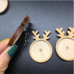 $enCountryForm.capitalKeyWord NZ - 20pcs lot Cute Deer Antler shape wood material Cameo Cabochon wood frame base setting Pendants for silicone mold Jewelry Making