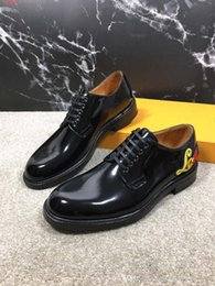 American Leather Shoes Australia - 2019 new European and american style business patent leather shoes ,With embroidery Genuine leather flat men shoes