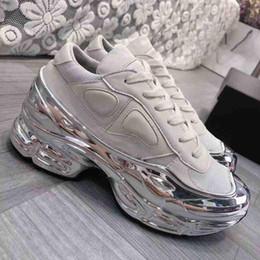 Vente en gros Les nouvelles femmes de mode semelles recouvertes miroir creux Raf réfléchissant gradient Ozweego coloré Simon femmes mens chaussures casual chaussures Designer 35-45 G2