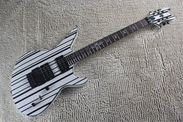skull electric guitars UK - Top Quality synyster custom floydrose tremolo in white black line with Strap and Skull logo electric guitar
