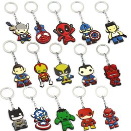 $enCountryForm.capitalKeyWord UK - Cartoon Superhero Keychain Marvels Car Key Chain Keyrings Superman Hellboy Keychains Alloy Pendant Movie Jewelry Birthday Gift