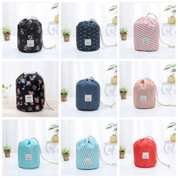 wholesale round cosmetic bag UK - Storage Bags Women Cosmetic Bag Travel Barrel Storage Basket Foldable Waterproof Wash Bag Polka Dot Bathroom Organizer Makeup Bag DHD157