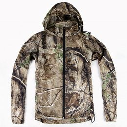 $enCountryForm.capitalKeyWord Australia - New Men Outdoor Hunting Fishing Climbing Camouflage Jacket Lightweight and Thin Breathable Hooded Coat Waterproof Skin clothing