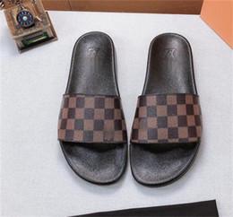 N86 dernières nouvelles pantoufles à talons hauts talons populaires-tongs pantoufles sandales casual hommes de haute qualité de la mode des femmes talon haut été 4.5cm en Solde