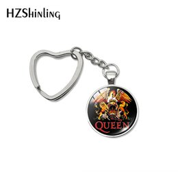 $enCountryForm.capitalKeyWord NZ - 2019 New Design Rock Band Queen Heart Keychains Fashion Pins Queen Band Musician Jewelry Car Bag Hold Keyrings for Men Women