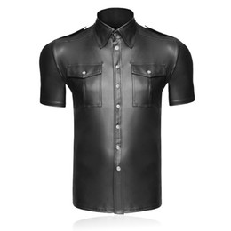Sexy Black Faux Leather Shirt Wet Look Stretch Sous-chemise Latex Nouveauté Manches Courtes Uniforme Clubwear Stage Costume