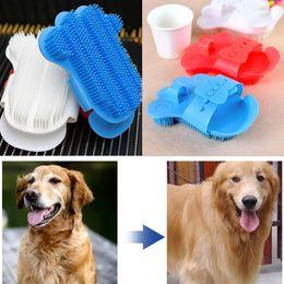 Palm Products Australia - Palm Shaped Pet Bath Brush Dog Rubbing Brush Pet Shower Gloves Massage Brush - Random Color