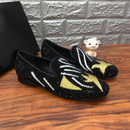 drill pedal Australia - 2019 spring and summer new ugly face rhinestones Lok Fu shoes leather scrub hot drilling Facebook set foot low shoes a pedal men\'s shoes m1