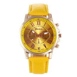 $enCountryForm.capitalKeyWord NZ - Business Man Elegant Quartz Watch Fashion Popular Brand Leather Wristwatch Woman Man Reloj de dama Montre femme Orologio da uom