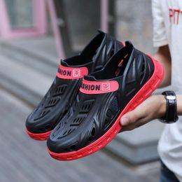 new designs for sandals 2019 - New Sandals Men Shoes with Platform Garden Clogs for Summer Hollow Slip-on Sandals Anti-skid Soft Light Design Beach Bat