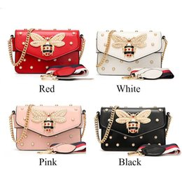 $enCountryForm.capitalKeyWord Australia - Wobag Luxury Diamond Design Women Handbag Messenger Bag Fashion Brand Style Pu Leather Bags Red black white Female Shoulder Bag Y19062003