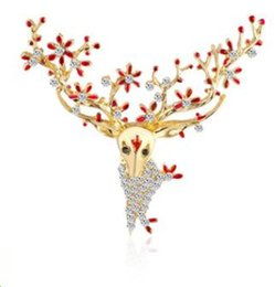 wholesale rhinestone brooches Australia - Christmas Gift Cartoon Sika Deer Crystal Diamond Drop Oil Brooch Alloy Rhinestone Female Fashion Animal Sweater Pin Creative Diamond Corsage