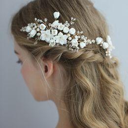 $enCountryForm.capitalKeyWord Australia - 2019 Amazing Vintage Bride Wedding Hair Fascinators Mini Flowers Comb Stunning Bride Jewelry Accessories Crystals Hair Headpiece
