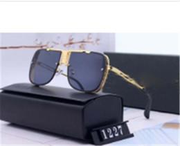 Designer Polarizerd Sunglasses for Mens Glass Mirror Gril Lense Vintage Sun Glasses Eyewear Accessories womens