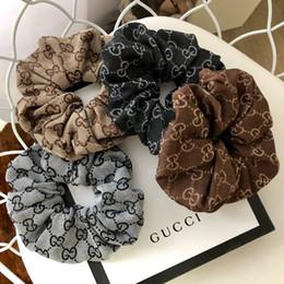 Bandas Moda Velvet borracha cabelo muito preto-cavalo Traceless hairband Meninas elásticos de cabelo laços de tecido macio Anéis cabelo em Promoção