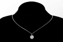 Red Coral Beads Pendants Australia - MAGIC snowflake pendant necklace clavicle chain female new jewelry Snowflake flying, passing the beautiful style