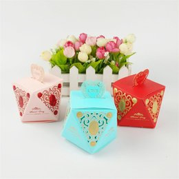 $enCountryForm.capitalKeyWord Australia - Hollow Diamond Shape Wedding Favor Box Paper Bags Sweet Gift Candy Boxes for Wedding Baby Shower Birthday Event DIY Party Supplies