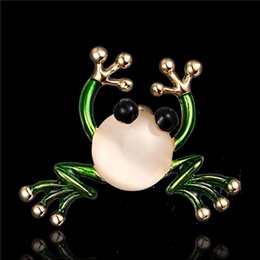wholesale costume brooches NZ - Unisex European cute animal vivid-frog jewelry brooch pearl green enamel suit scarf costume decoration broche brooches lapel pin accessories