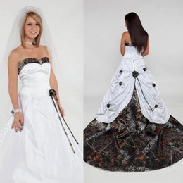 White Camo Dress Shirt Australia - 2019 Sweetheart Camo Wedding Dresses Handmade Flowers Satin Zip robe de mariée Long Bridal Gowns Custom Made