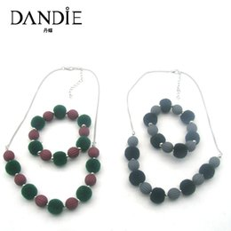 daily wear earrings 2019 - Dandie Fashion New Design Jewelry Sequins Red And Green And Black Gray Acrylic Bead Necklace,Suitable For Women's D