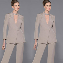 $enCountryForm.capitalKeyWord NZ - 2019 New Fashion Elegant Mother Of Bride Pant Suits Long Sleeves Two Pieces Deep V-Neck Appliques Satin Custom Made Formal Suit Pants