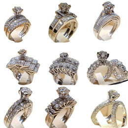 bb7195bdf854 Anillo de diamante Crytal Anillo de circonio cúbico Corona Conjuntos de  anillos de boda Abrigo Anillos de novia Banda Joyería de moda Will y Sandy  Drop Ship ...