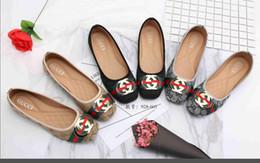 Venta al por mayor de ggBrand Zapatos de mujer de gran tamaño 35-42 Diapositivas Huaraches Diseñador de moda zapatos Zapatillas de deporte para llevar por zapato Elegantes damas pisos 36-42 05
