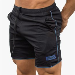$enCountryForm.capitalKeyWord Australia - Sport Workout Shorts Men Calf-Length Fitness Crossfit Sweatpants Compression Gym Shorts Soccer Short Pants Running Men