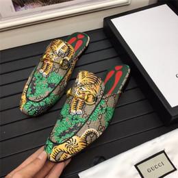 $enCountryForm.capitalKeyWord Australia - Cheap Luxury Designer Men Casual Shoes Cheap Best High Quality Mens Fashion Sneakers Party Platform Shoes Velvet Chaussures Sneakers F02