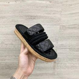 $enCountryForm.capitalKeyWord NZ - Designer Women Slippers Luxury Leather Cord Patchwork Flip Flop Chunky Heel Flat Scuffs Women Summer Multicolor Outdoor Slippers