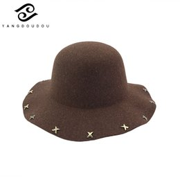 1f73f7212e7 Yangdoudou Winter Warm Bucket Hat for Women Wide Brim Fisherman Hats With  Rivet Casual Sun Protection Caps